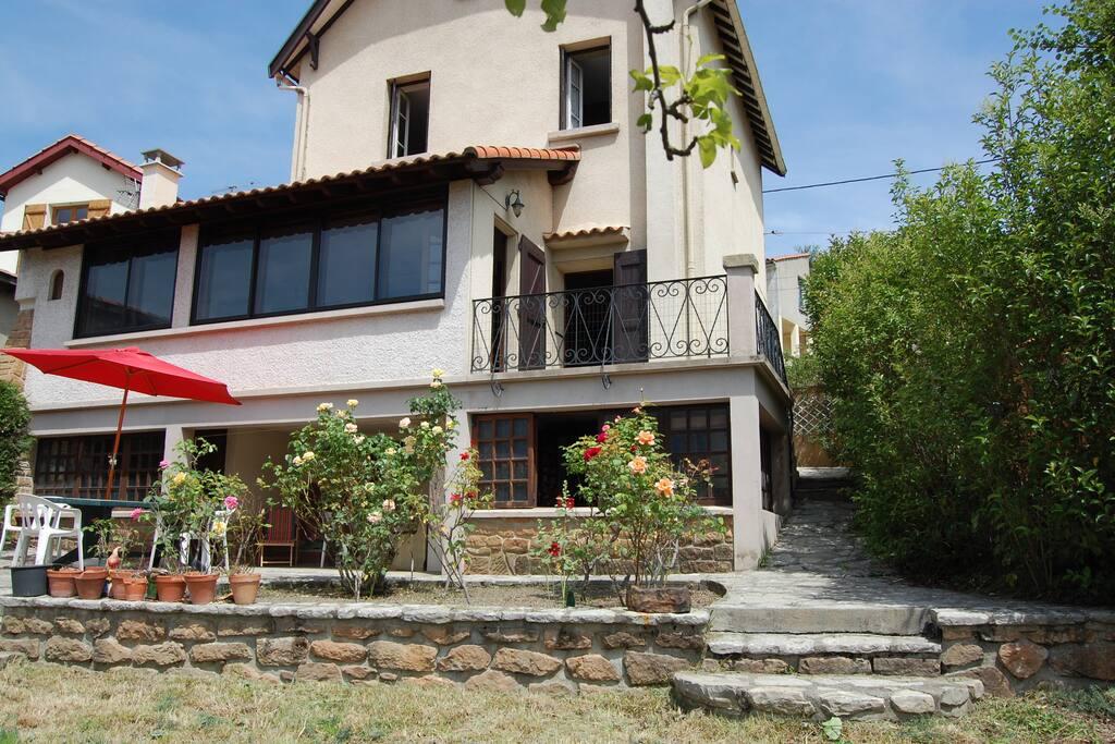 Maison meubl de tourisme 3 coeur pays cathare houses for Jardin du nil wine price