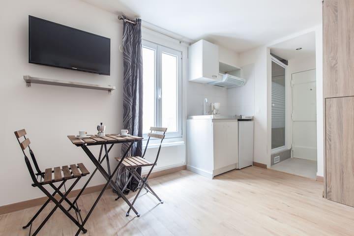 Cozy studio close to Marais - for 2 people