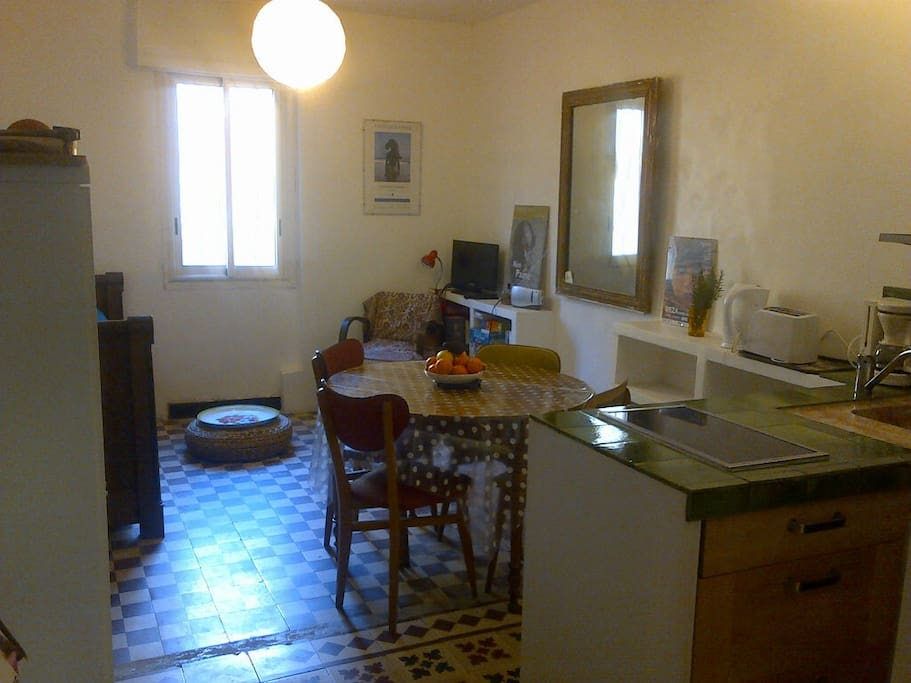 Calme et patio int rieur apartments for rent in banyuls for Calme interieur