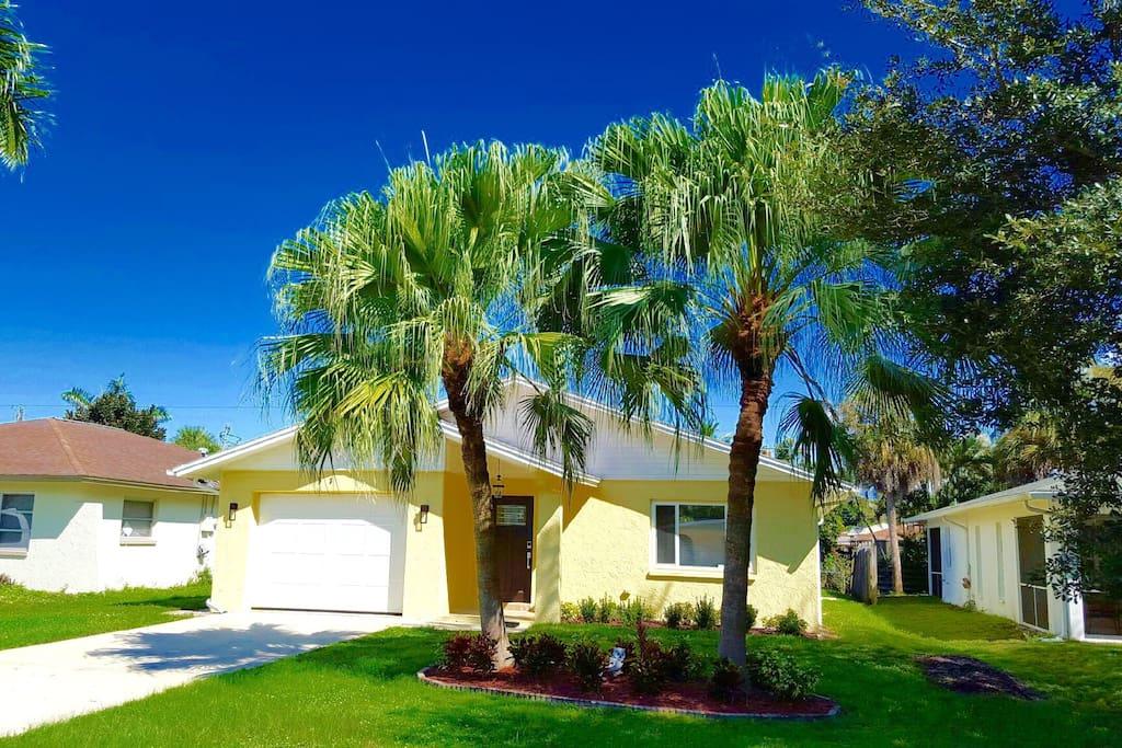 alluring naples beach house