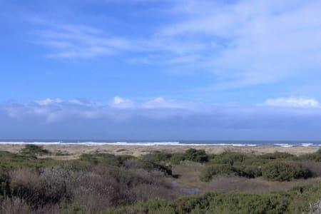 Ocean Front Condo at Ocean Shores - Lakás