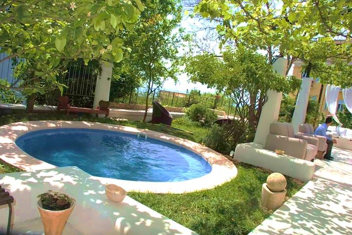 MEDITERRANEAN OASI Home Villa Center NAPOLI 15min