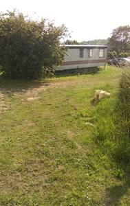 Mobilhome 18m2+terrasse 4 km de mer - Rumah