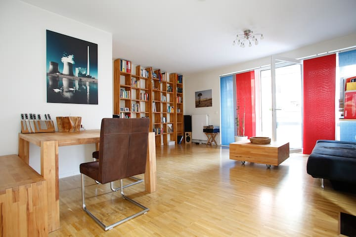CENTRAL HAMBURG - NICE APARTMT. EXCELLENT LOCATION - Hamburg - Leilighet