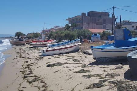 Ferienwohnung am Meer - Agia Triada