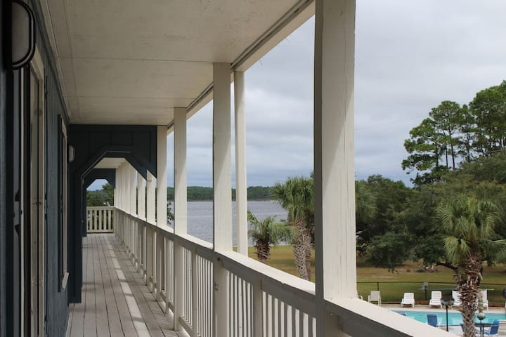 The Pad at Powell Lake and Inlet Beach