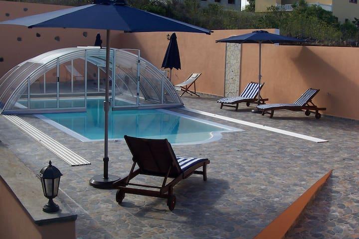Casa con piscina II en la Palma. - Puntallana