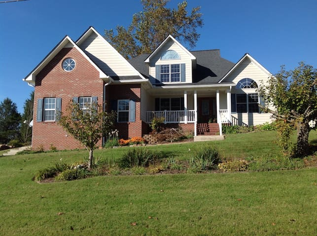 Peaceful and beautiful home - Cookeville - Huis