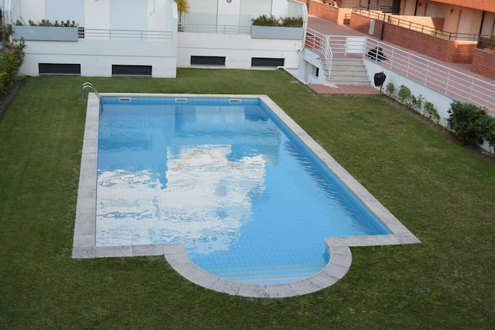 Flat with terrace and nice swim. pool