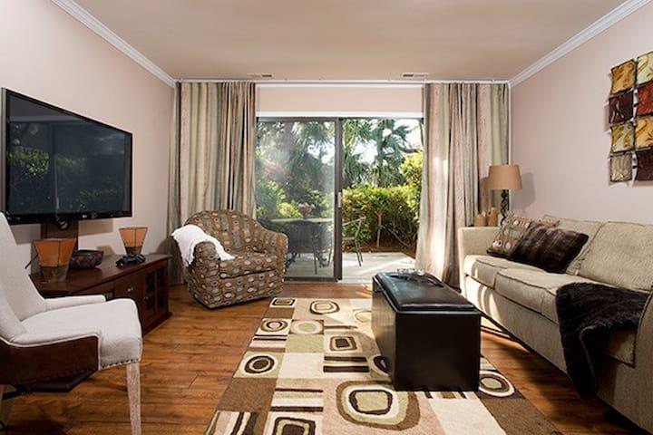 Coligny Beach Villa Luxury Townhome