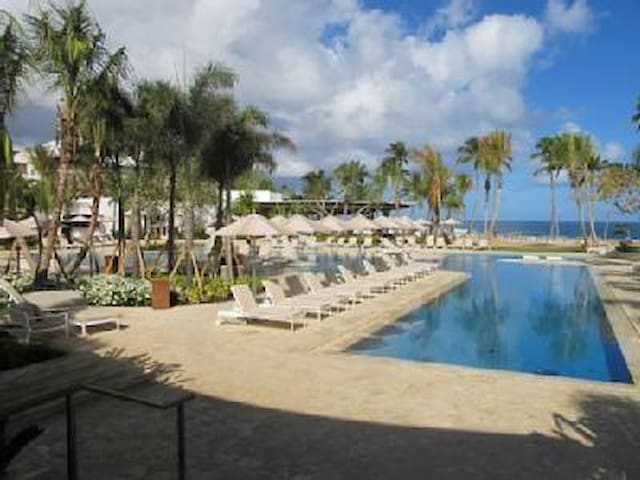 Villa Felicia - 3BR Ritz Resort