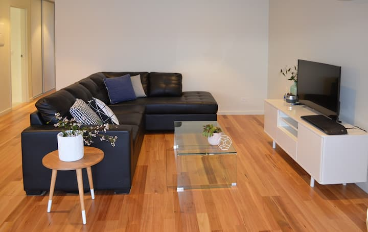 Accessible 2 Bed Apartmnt - Walk to Beach (Apt #5)