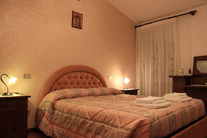 "Holiday House ""Alare"" B&B - Collevalenza"