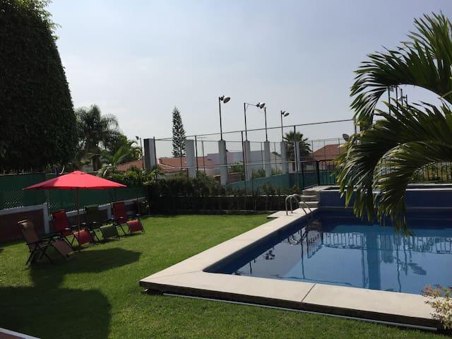 ¡¡¡ Excelente Casa en Lomas de Cocoyoc !!! - Cocoyoc  - Casa