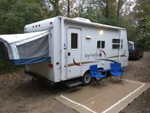 Camping with the comforts of home - Lake Elmo - Camper/RV