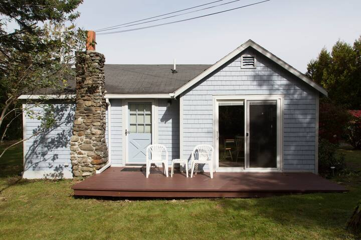 Cute cottage between Camden & Belfast - Northport - Casa