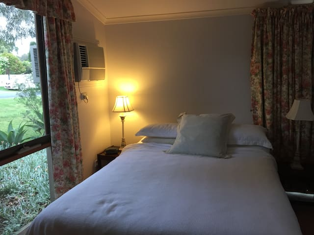 large private room close to shops - Balnarring - Bed & Breakfast