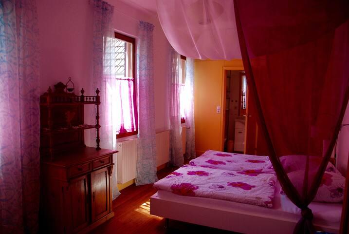Schlafzimmer im Winzerhaus