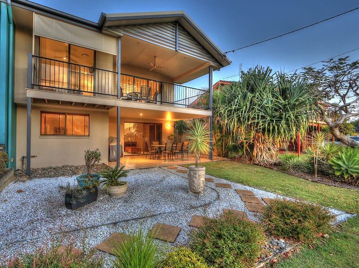 Amarco -luxurious waterfront home.