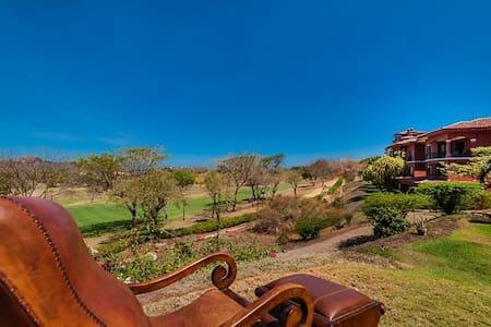 Bougainvillea Luxury 3BR, Costa Rica. Sleeps 7! - Playa Conchal - 公寓