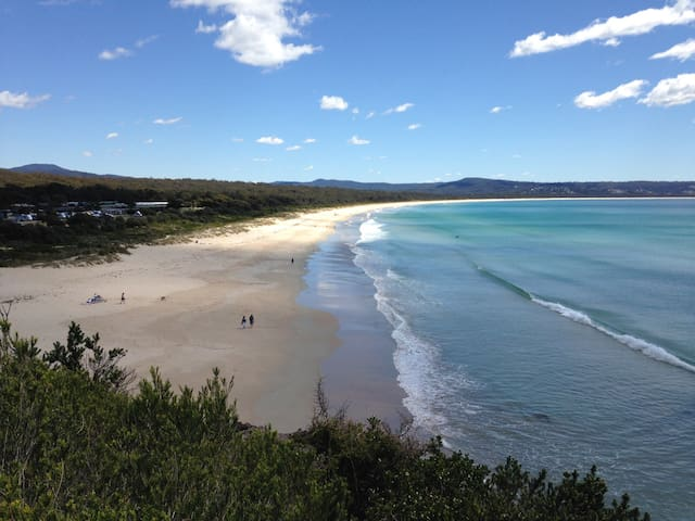 Beach Retreat, cute 2 bedroom house - Pambula Beach