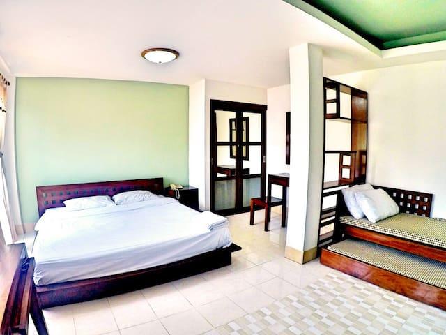 Spacious Room close to Uni &Seaport - Si Racha - Apartamento
