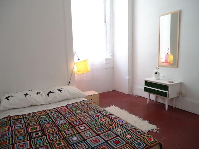 Lisbon Center (Rua Augusta-Room 3)