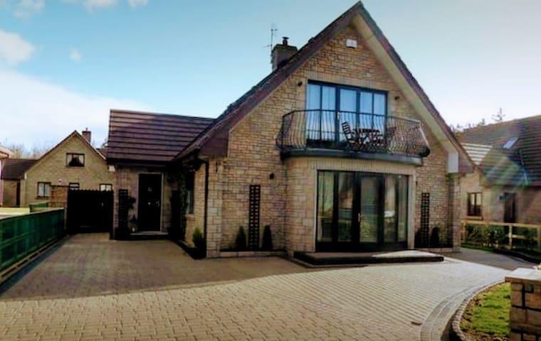 Luxury Designer Home on Galway Bay (Best Location)