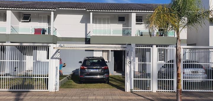 Casa em Condomínio em Torres