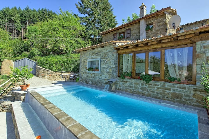 Villa Margherita Tre - Country villa with swimming pool in Cortona, Tuscany