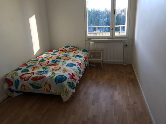 Room in modern apartment near Stockholm C - Huddinge