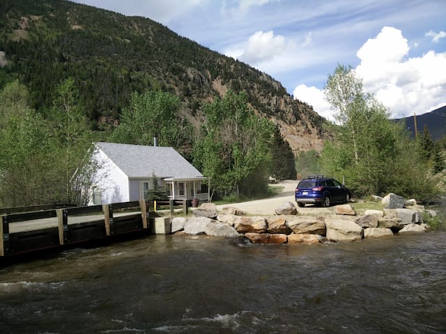 LIL COTTAGE ON CLEAR CREEK IN COLORADO ROCKIES - Silver Plume - Casa