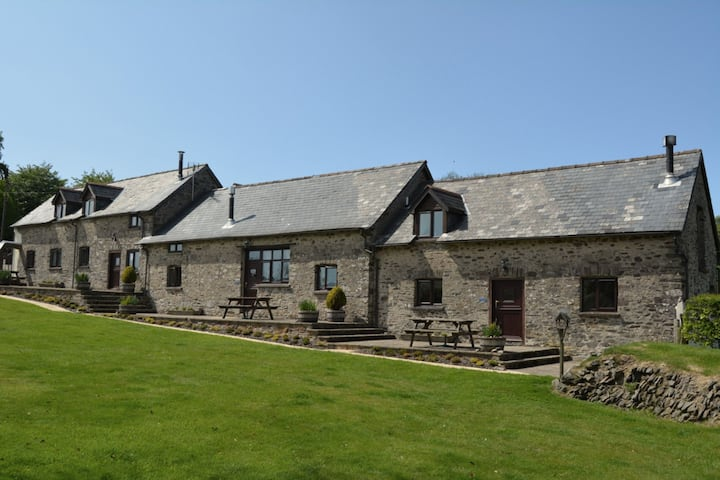Kiri Cottage - Pet-friendly spacious barn conversion in Exmoor National Park