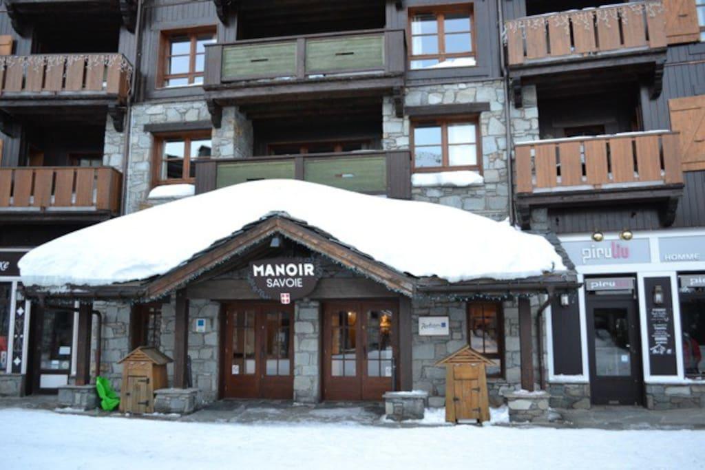 Main entrance to the Manoir Savoie