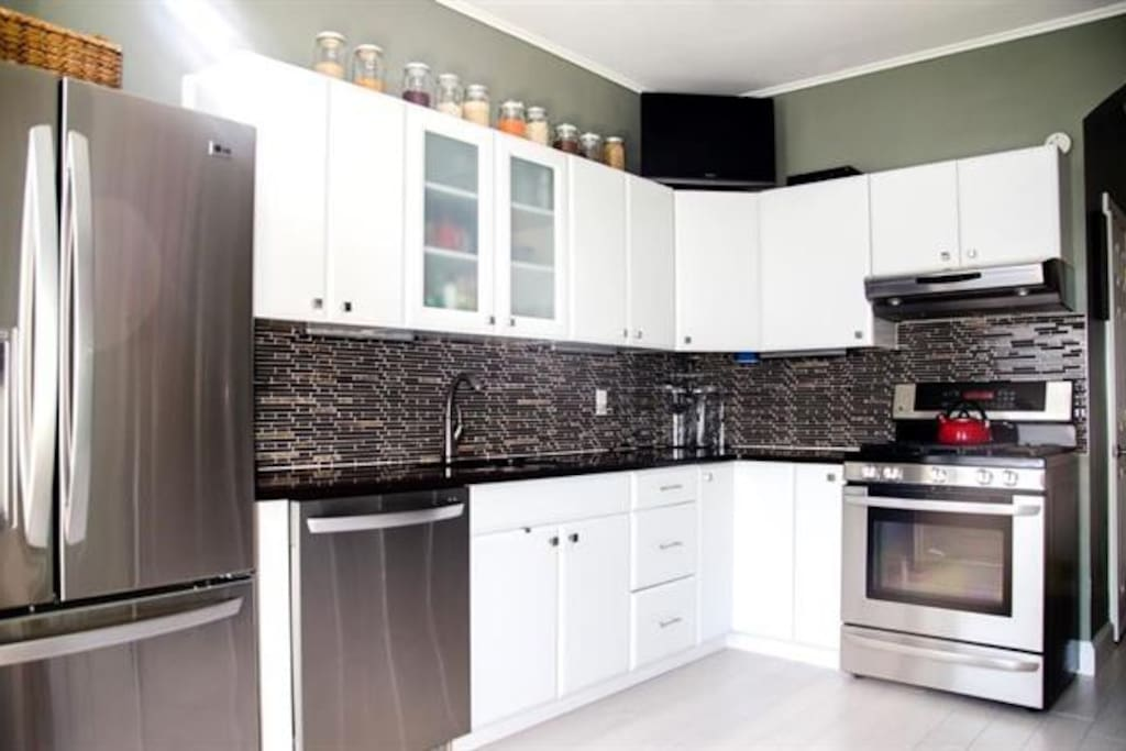 Full Kitchen, Quartz Countertops, Stainless Steel Modern Appliances.