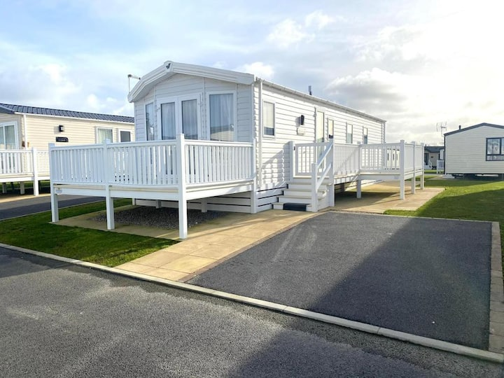 Holiday home near Bude (3 bedrooms / sleep 6)