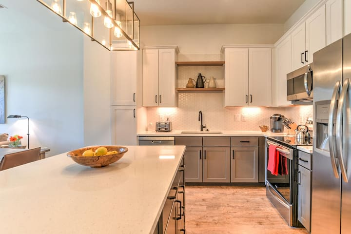 New luxury condo in heart of downtown Asheville~55 S.Market St. #207