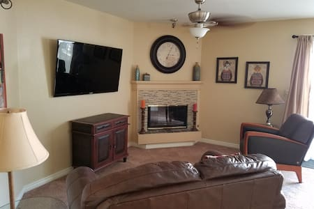 PRIVATE CONDO, FURNISHED WITH FULL KITCHEN! - Greenwood Village