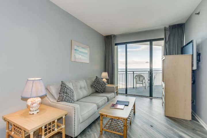 Amazing Ocean view 1BR w Balcony-Snowbird Special Rates Available!!!🕓