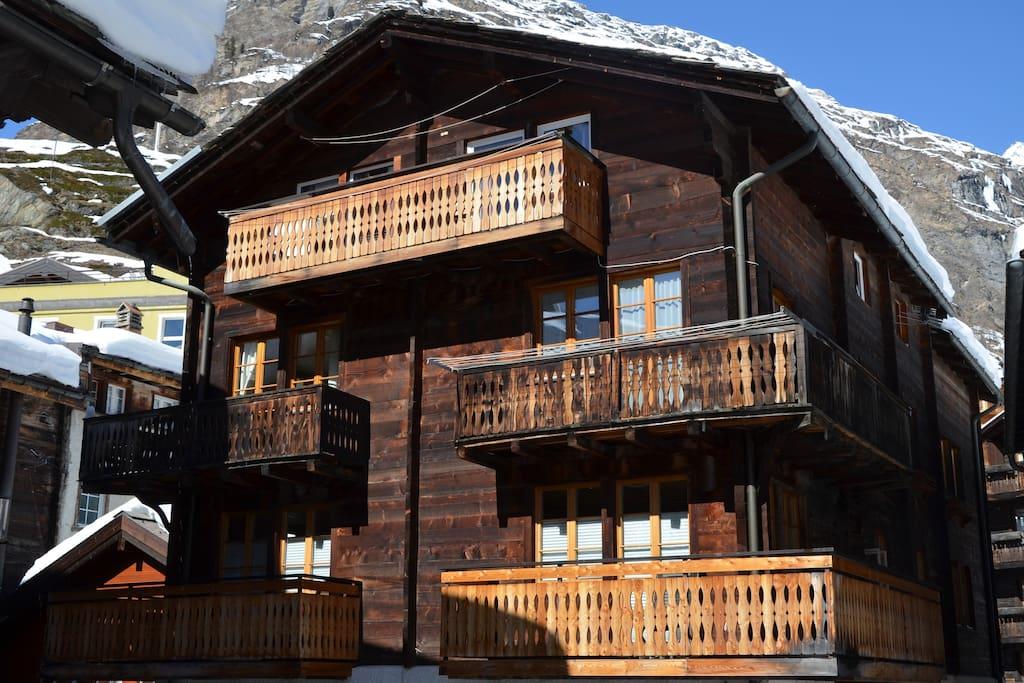 First floor apartment located in the very heart of Zermatt.