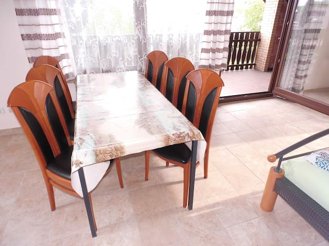 Bright 109 m² well isolated upper floor apartment