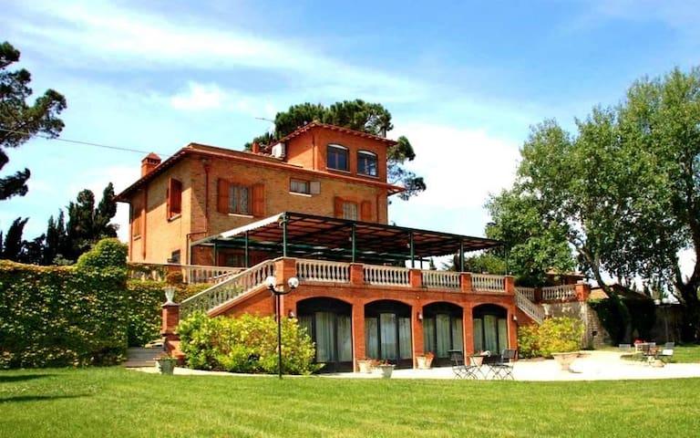 Antica villa con casolare in Umbria - Trasimeno - - Castiglione del Lago