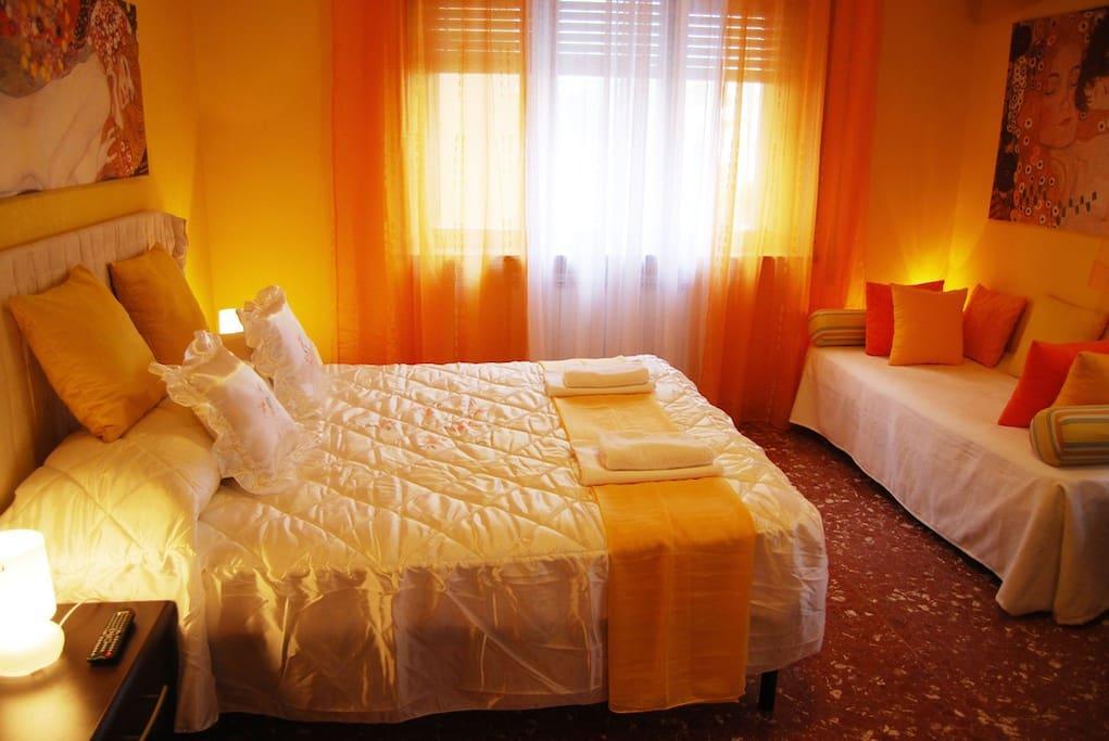 B&B Heart of Rome Yellow Room