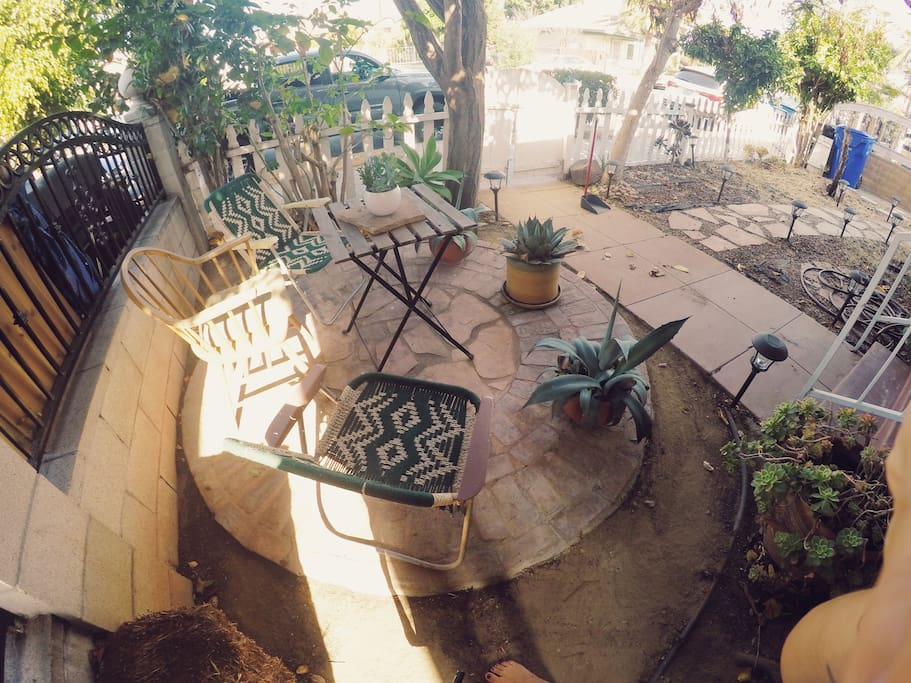 Chill spot for breakfast or coffee!