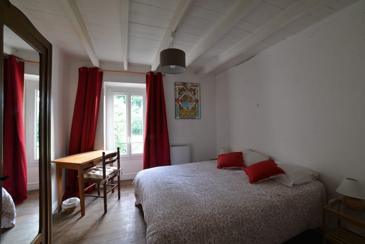 "Chambre ""Basque"" - Etxe Arrosa"