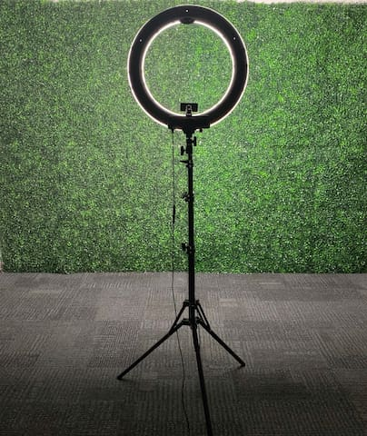 Creative Space For Videos w/ green wall ring light