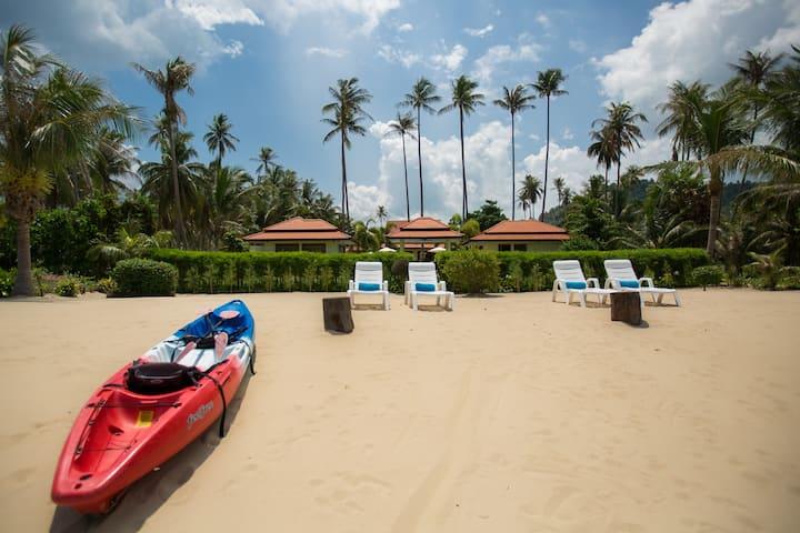 Stunning Beach Retreat with staff