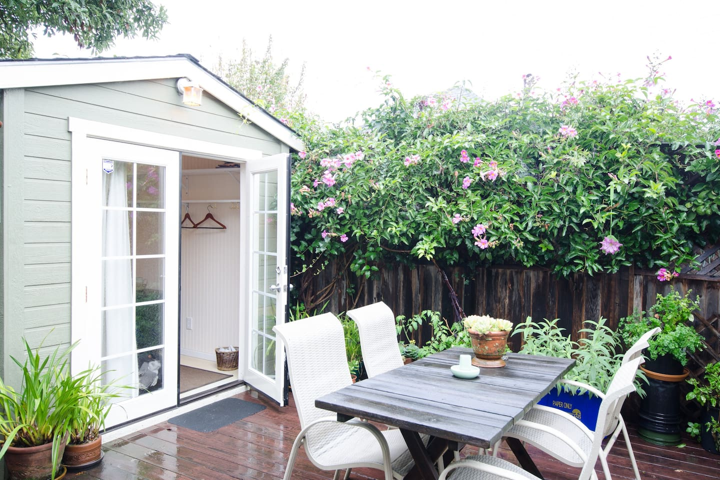Your private backyard cottage in North Oakland