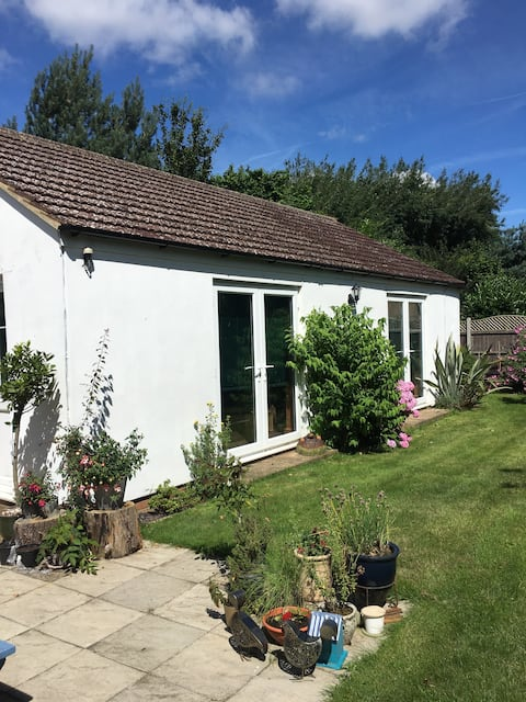 Self contained annexe in quiet setting.