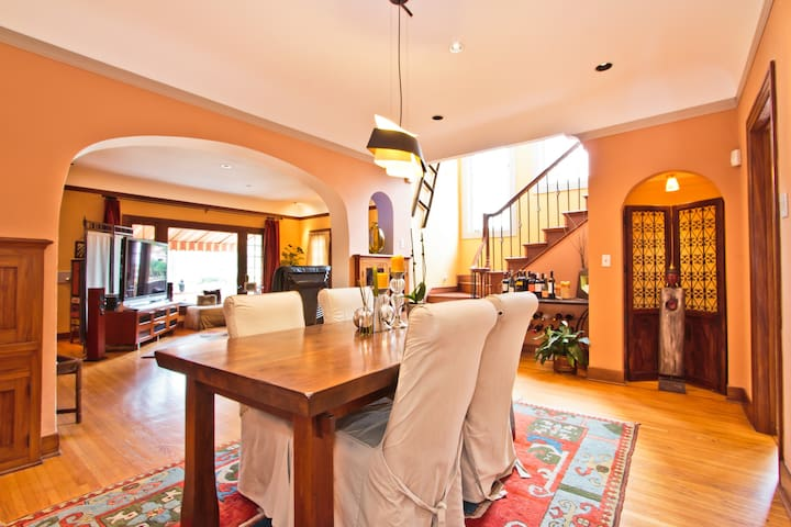 4 bd 3.5 ba Mediterranean nr Ocean! - Long Beach - House